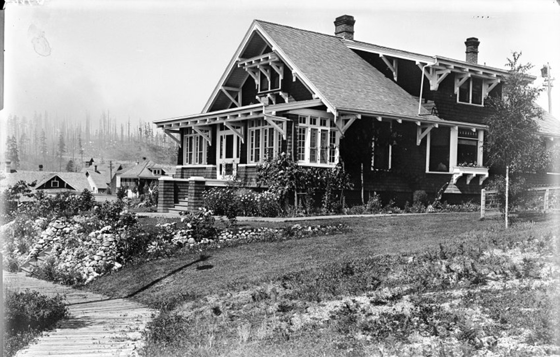 The Powell River Company Resident Mill Manager's house at 340 Oceanview in 1916.